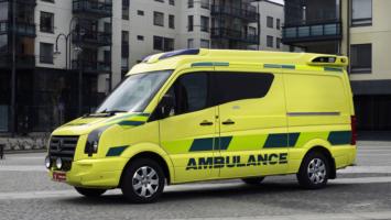 Radyo yayınını kesen Ambulanslar