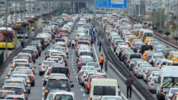 Yoğun trafikte nasıl araç kullanılır?
