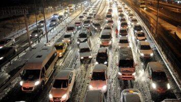 Karlı ve buzlu yollarda araç kullanımı