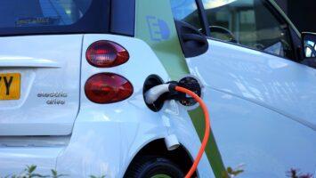 Hibrit ve Elektrikli Otomobiller Arasındaki Fark Nedir?